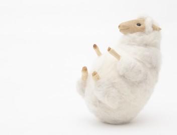 おきあがりこぼし by Chika Yoshioka / 吉岡千佳