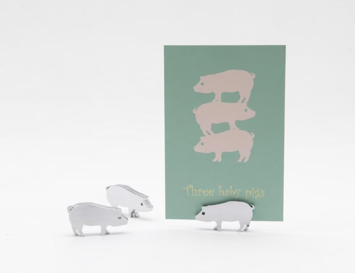サンビキノコブタ/ブレーメンノオンガクタイ by R2DESIGN / 高橋綾