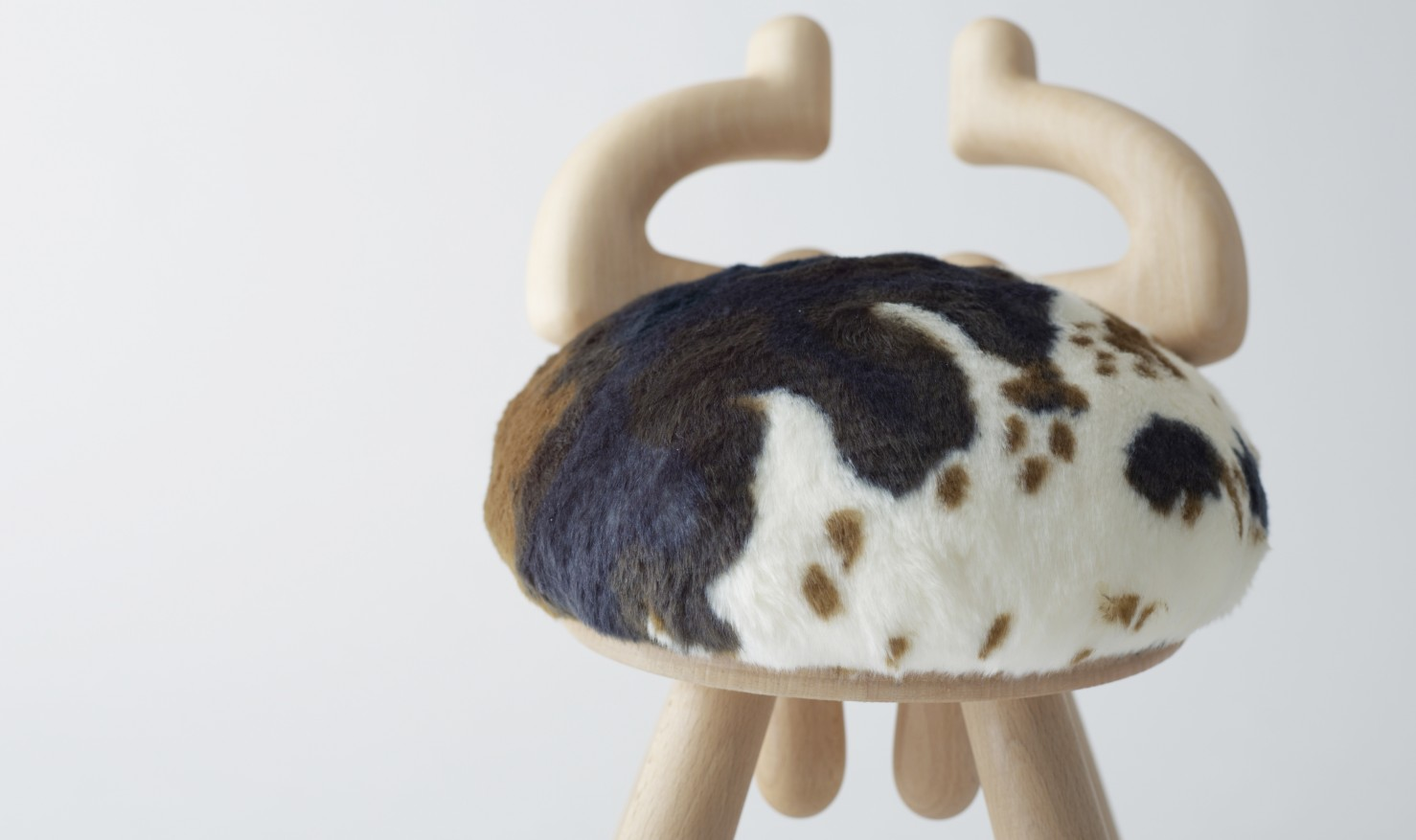 cow chair/sheep chair by kamina&C / kamina&C